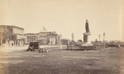 The Bentinck Statue & Government House [Calcutta]